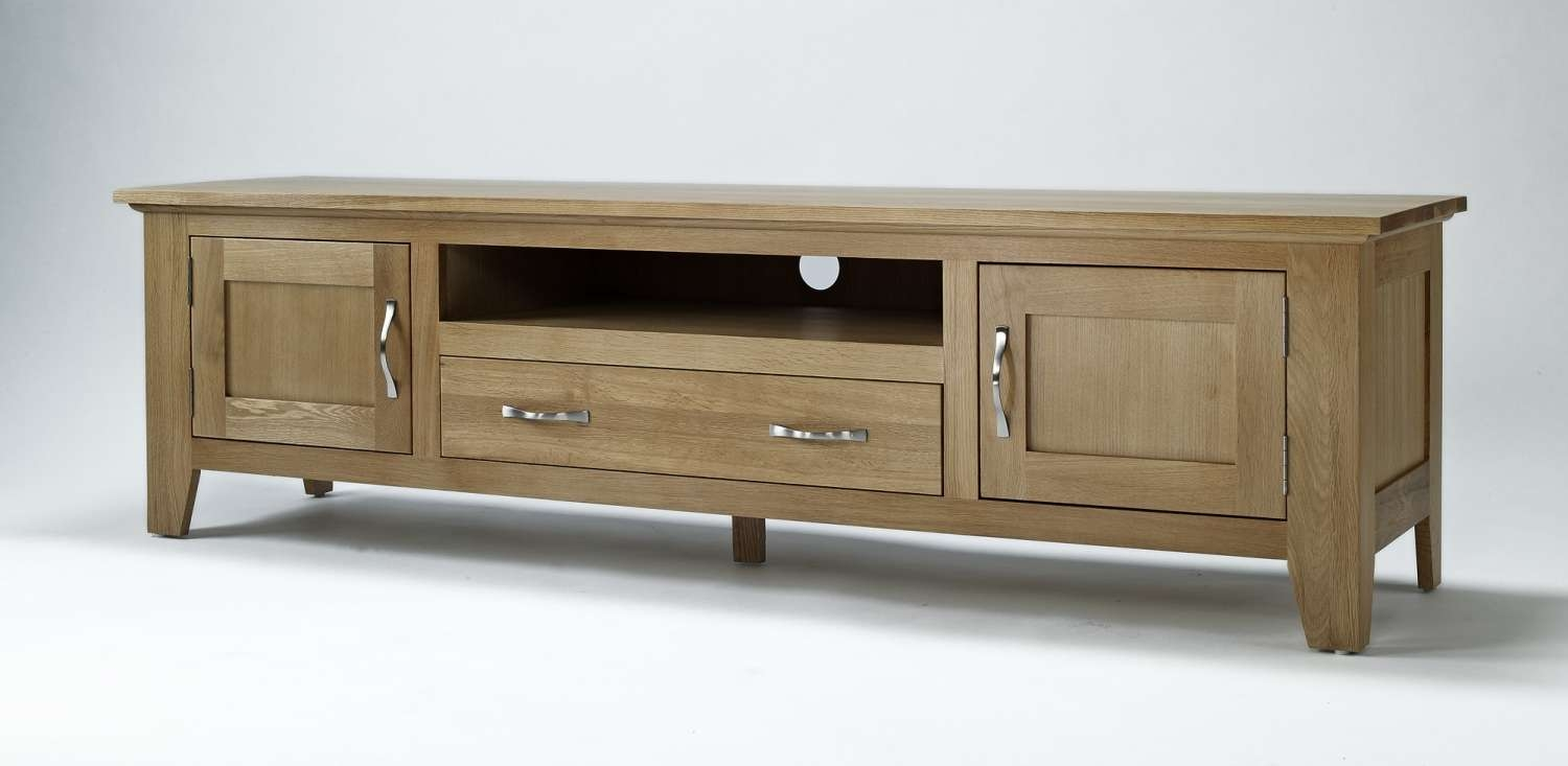 Compton Solid Oak Living Room Furniture Large Widescreen Tv In Long Tv Cabinets Furniture (View 7 of 20)