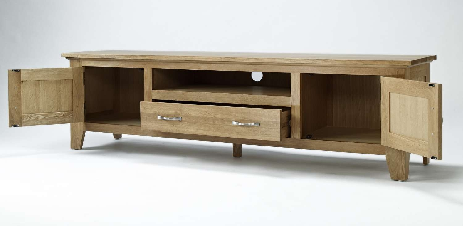 Compton Solid Oak Living Room Furniture Large Widescreen Tv Intended For Widescreen Tv Cabinets (View 9 of 20)
