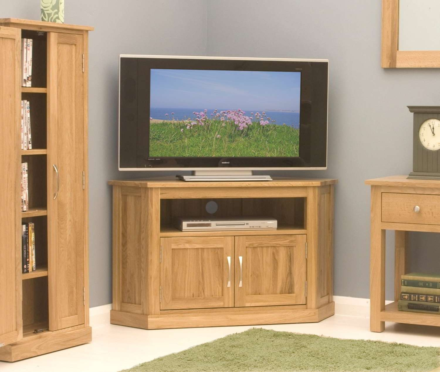 Conran Solid Oak Living Room Furniture Corner Television Cabinet Regarding Light Oak Corner Tv Stands (View 3 of 20)