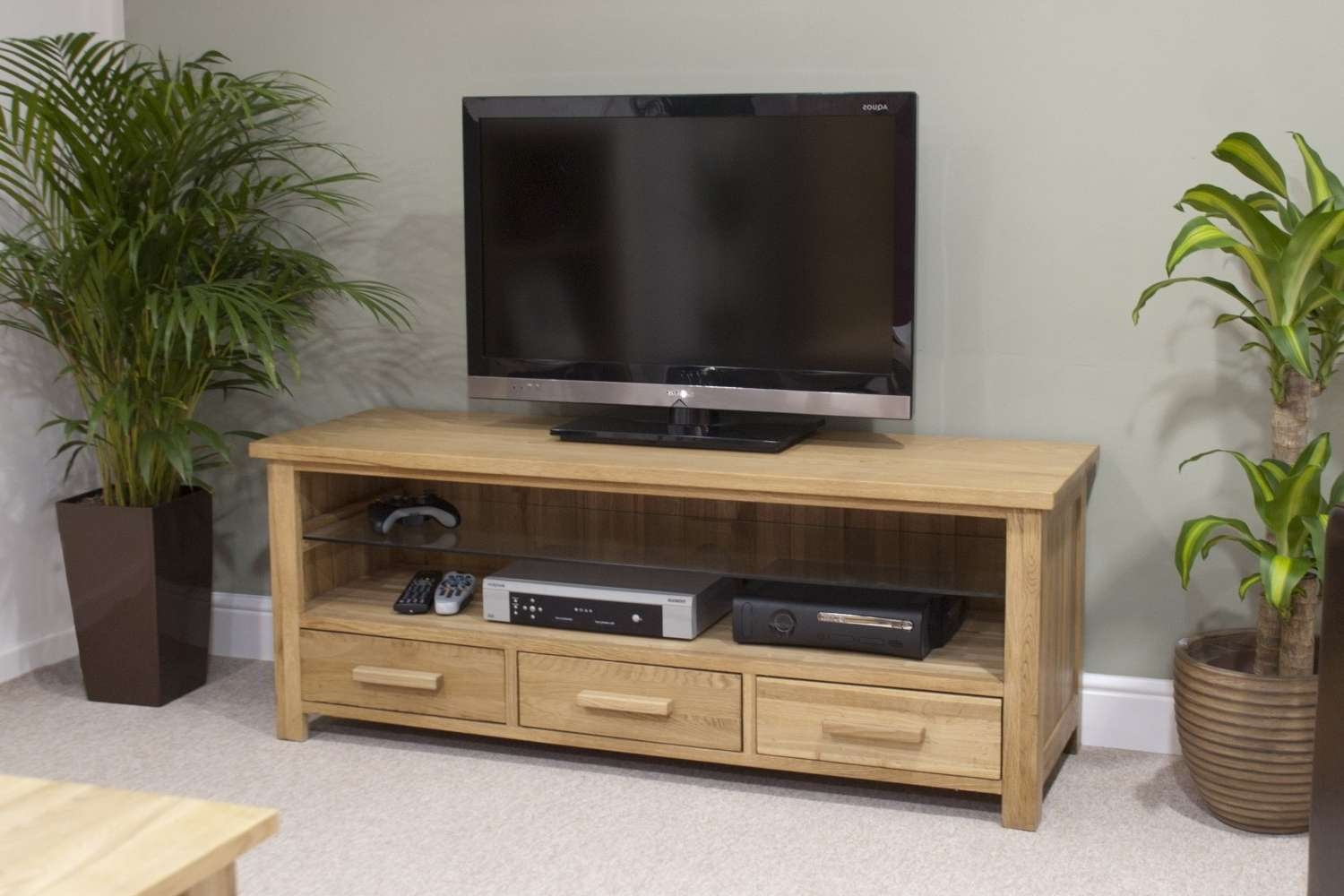 Eton Solid Oak Living Room Furniture Widescreen Tv Cabinet Stand Throughout Oak Tv Stands Furniture (View 5 of 15)
