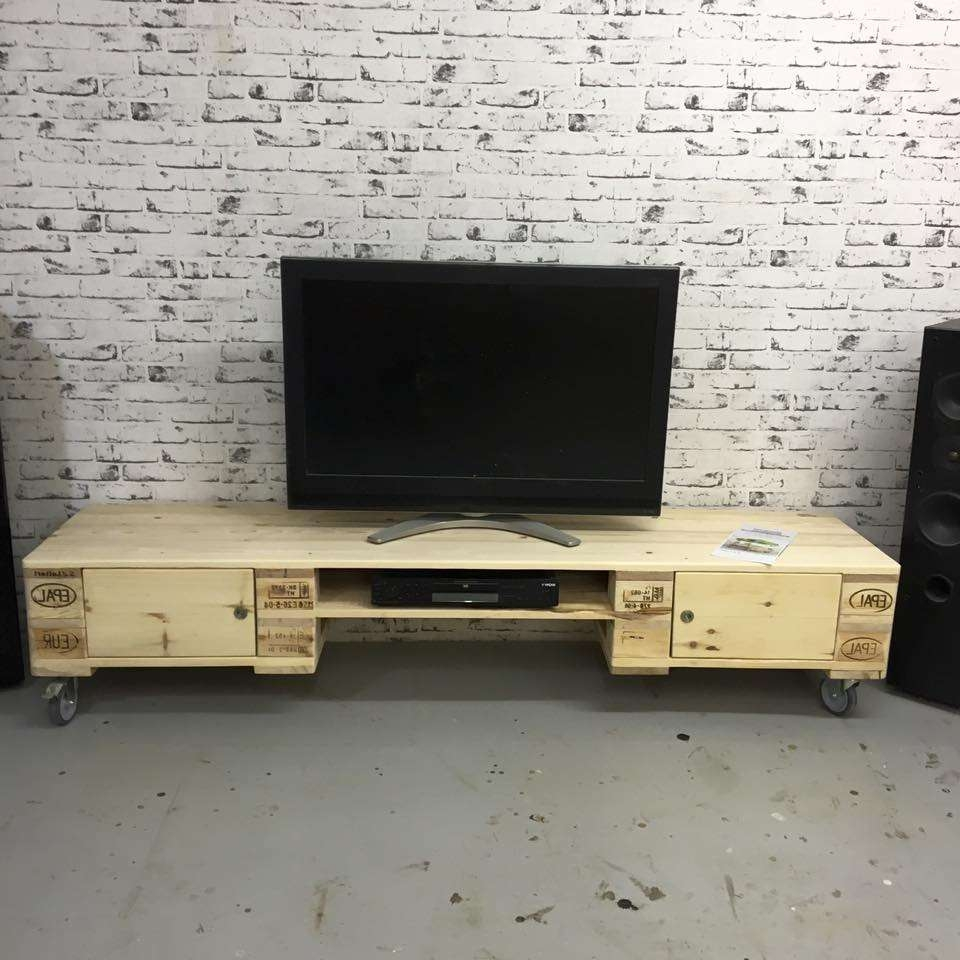 Fanciful Minimalist Tv Stand Cabinet Feat Stunnig Red Vaseliving Regarding Extra Long Tv Stands (View 7 of 20)
