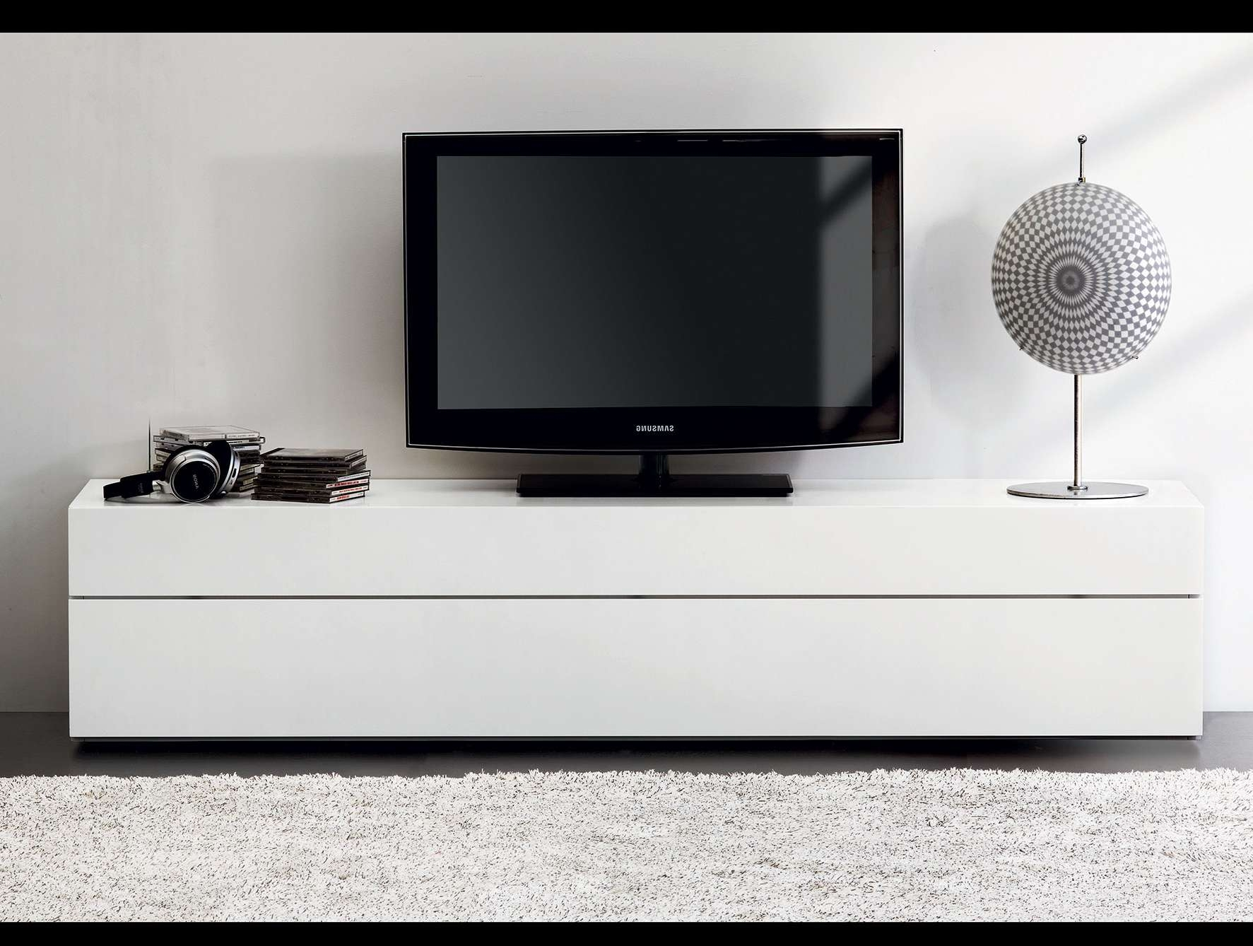 Furniture Accessories : White Modern Polished Wood Media Console Pertaining To Modern White Lacquer Tv Stands (View 8 of 15)