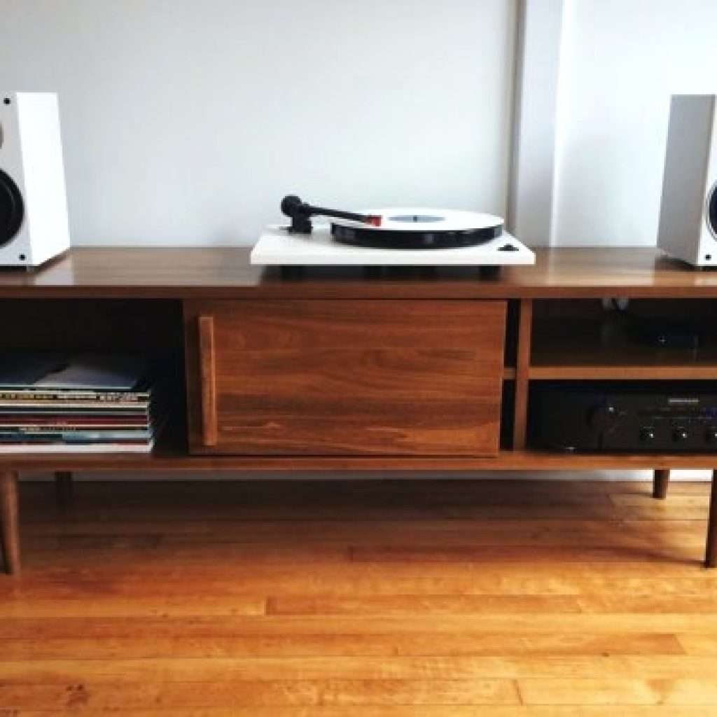 Gallery Turntable Tv Stand – Mediasupload Intended For Turntable Tv Stands (View 7 of 15)