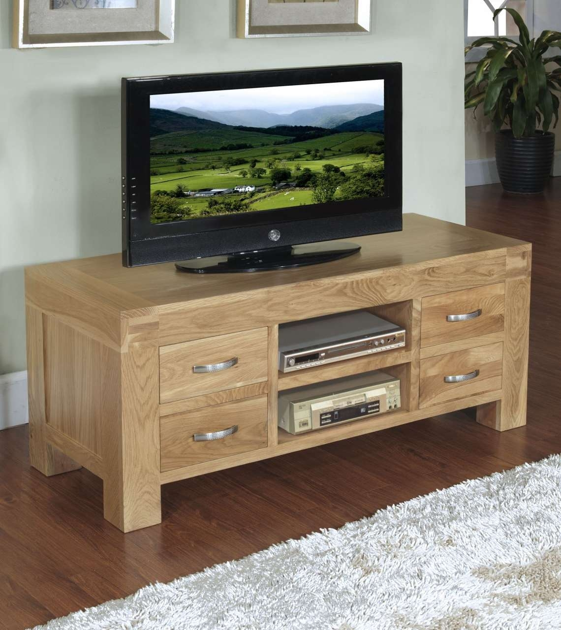 Langton Solid Contemporary Oak Furniture Widescreen Tv Cabinet In Oak Tv Stands (View 6 of 15)