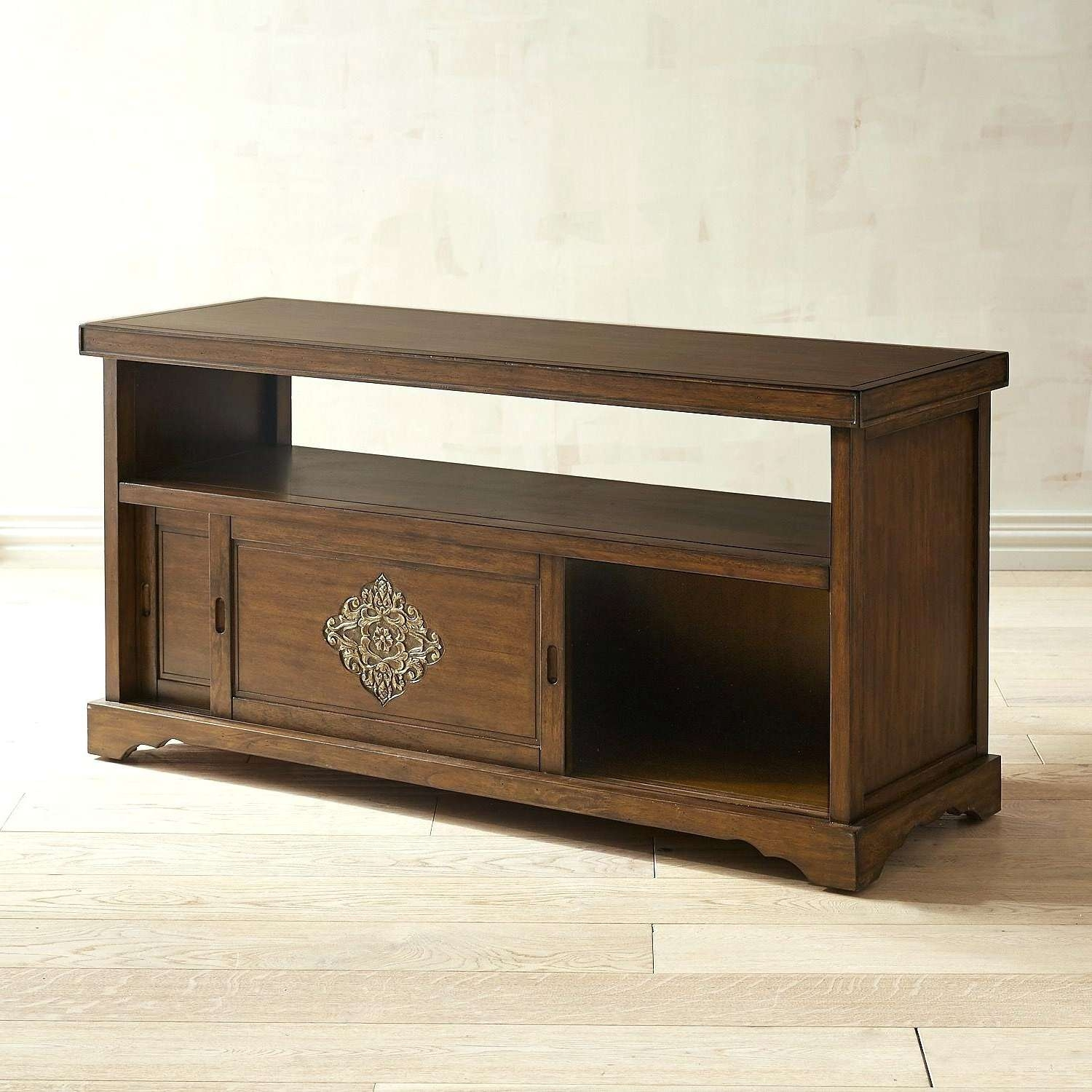 Lovely Triangle Tv Stand (19 Photos)   Bathgroundspath Inside Triangle Tv Stands (View 10 of 15)