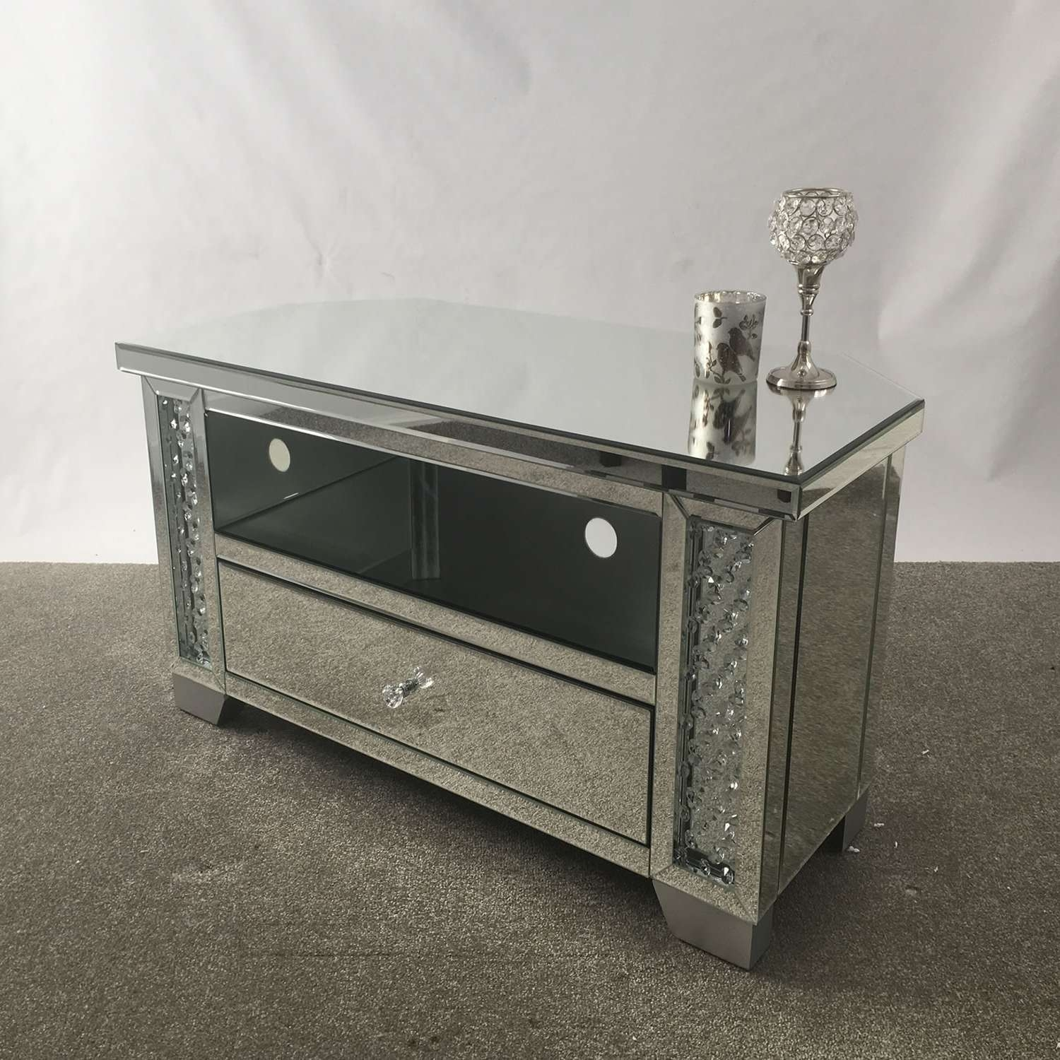 Mirror : Venetian Mirrored Corner Tv Stand Mirrored Corner Tv Throughout Silver Corner Tv Stands (View 7 of 15)