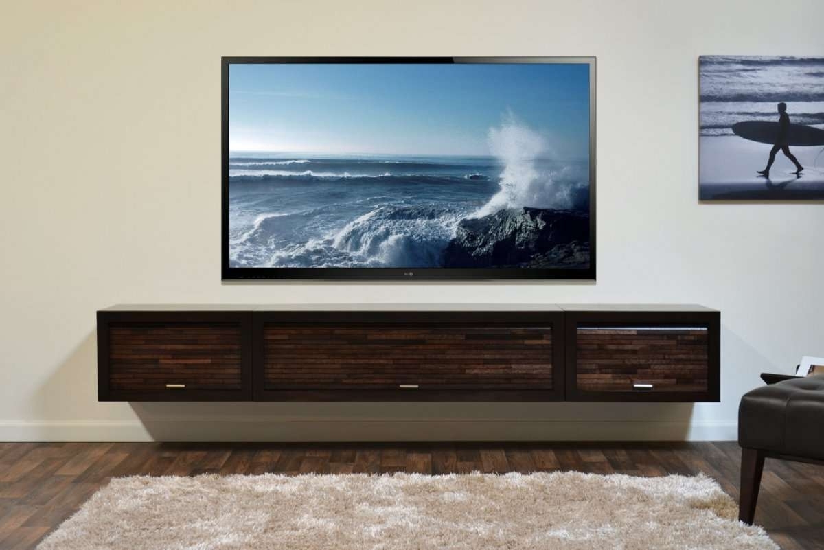 Modern Living Room Style With Floating Long Media Console Cabinet Intended For Modern Wall Mount Tv Stands (View 7 of 20)