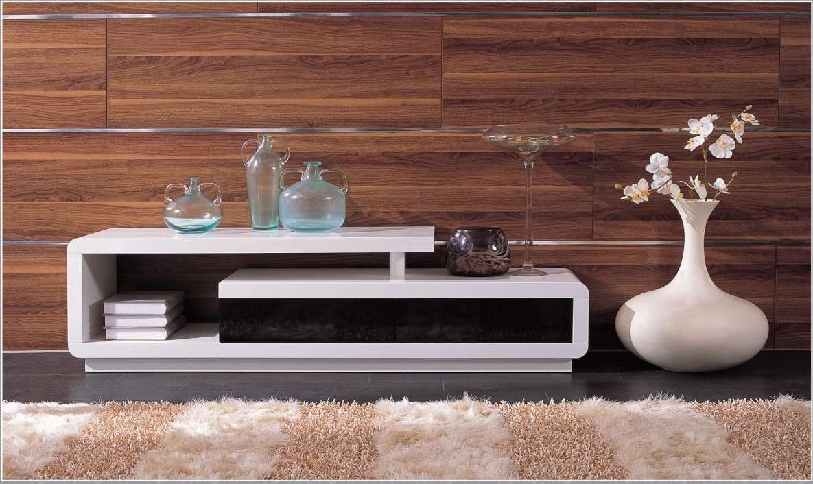 Modern White Lacquer Tv Stand In Modern Tv Stands (Gallery 7 of 15)