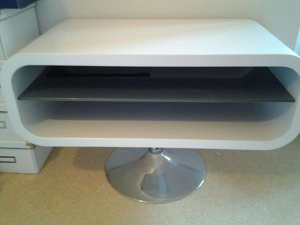 Oval Tv Stand With Shelf In The Middle Fits All Tv White With A Throughout White Oval Tv Stands (View 10 of 15)
