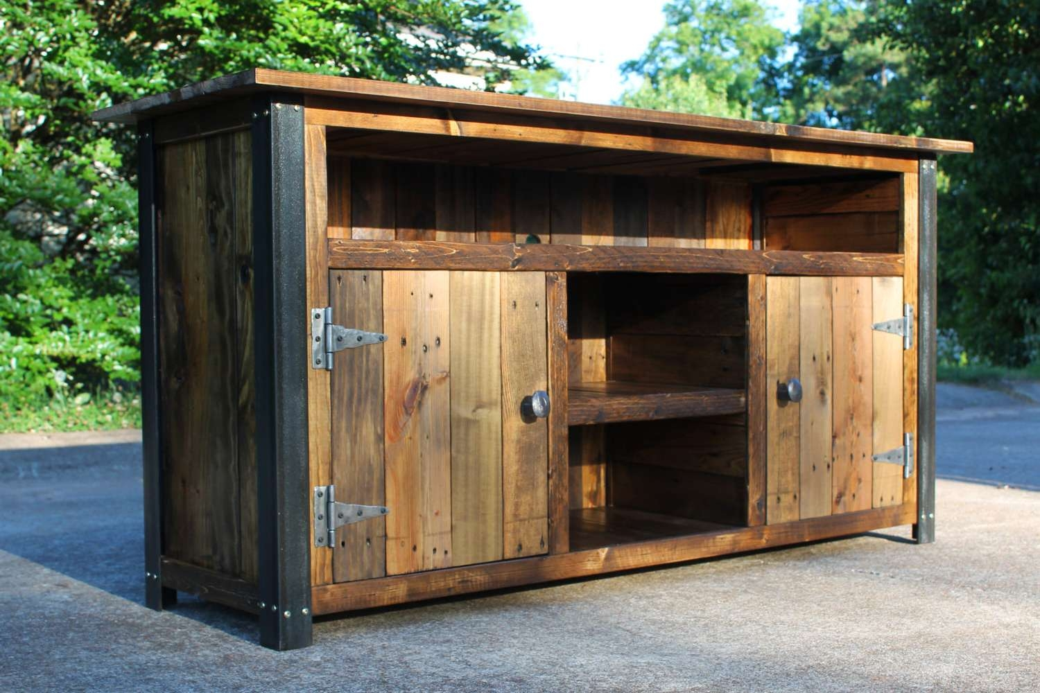 Rustic Tv Stand With Barn Doors : Ideal Rustic Furniture Tv Stand Intended For Rustic Furniture Tv Stands (View 2 of 20)