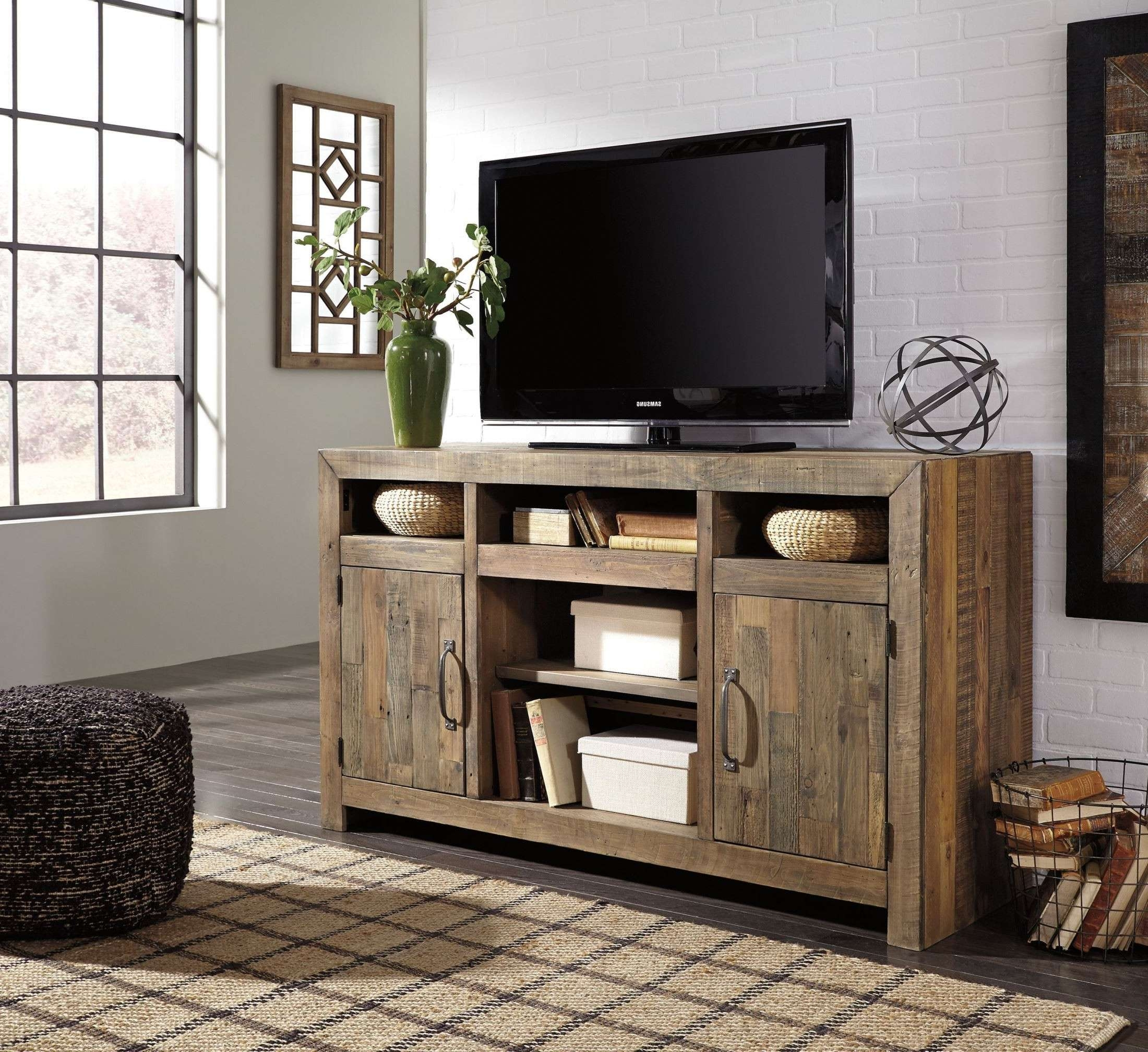 Sommerford Brown Tv Stand From Ashley | Coleman Furniture For Brown Tv Stands (View 19 of 20)