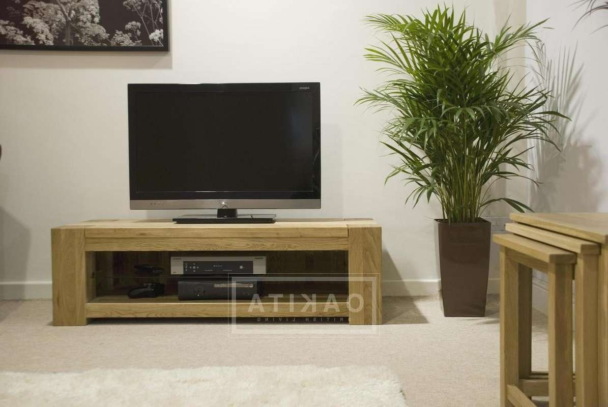 St Ives Oak Wide & Low Tv Cabinet – Oak Tv Stands & Entertainment Within Low Oak Tv Stands (View 3 of 20)