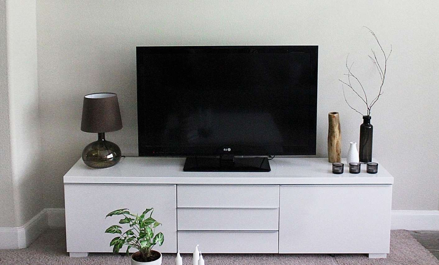 Tv : Appealing Modern Tv Stands For Small Spaces Unusual Modern Tv For Unusual Tv Stands (View 8 of 15)