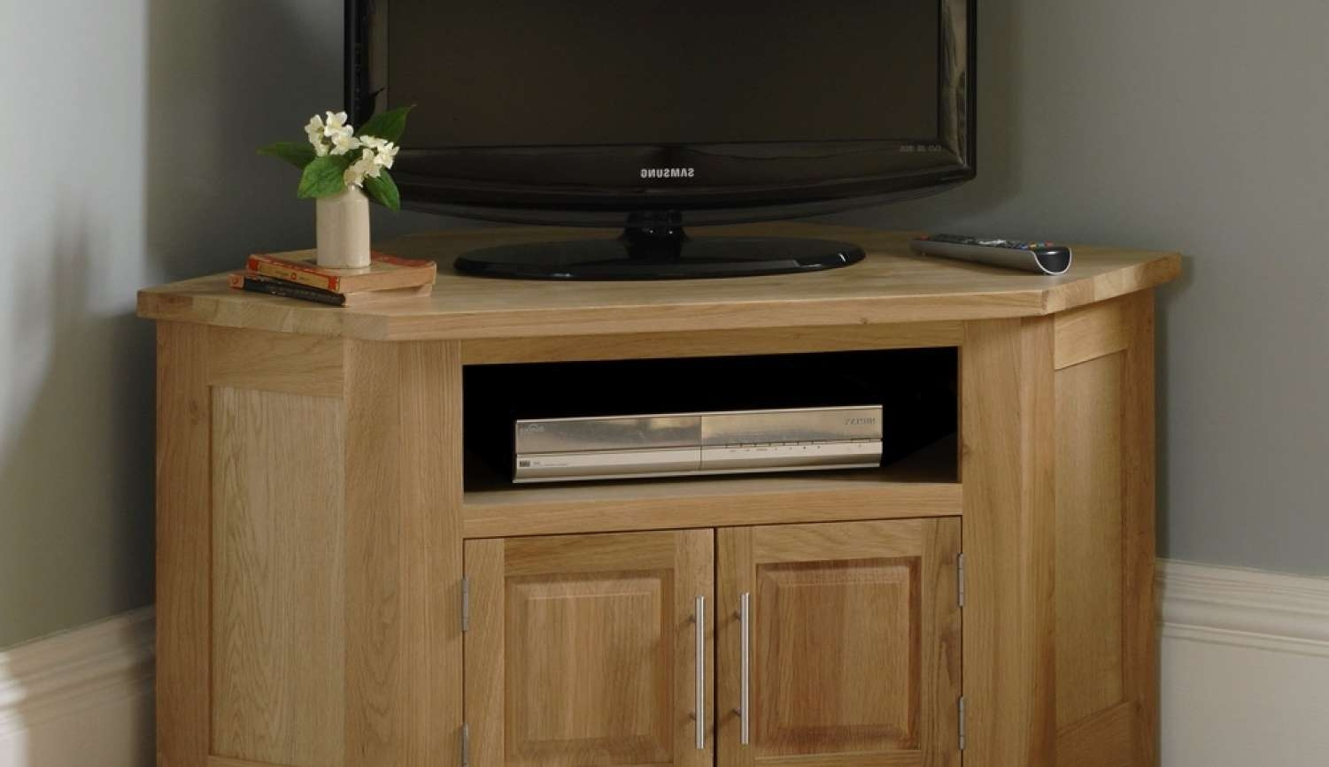 Tv : Engrossing Oak And Glass Corner Tv Stands Interesting Chunky Intended For Light Oak Corner Tv Stands (View 14 of 20)
