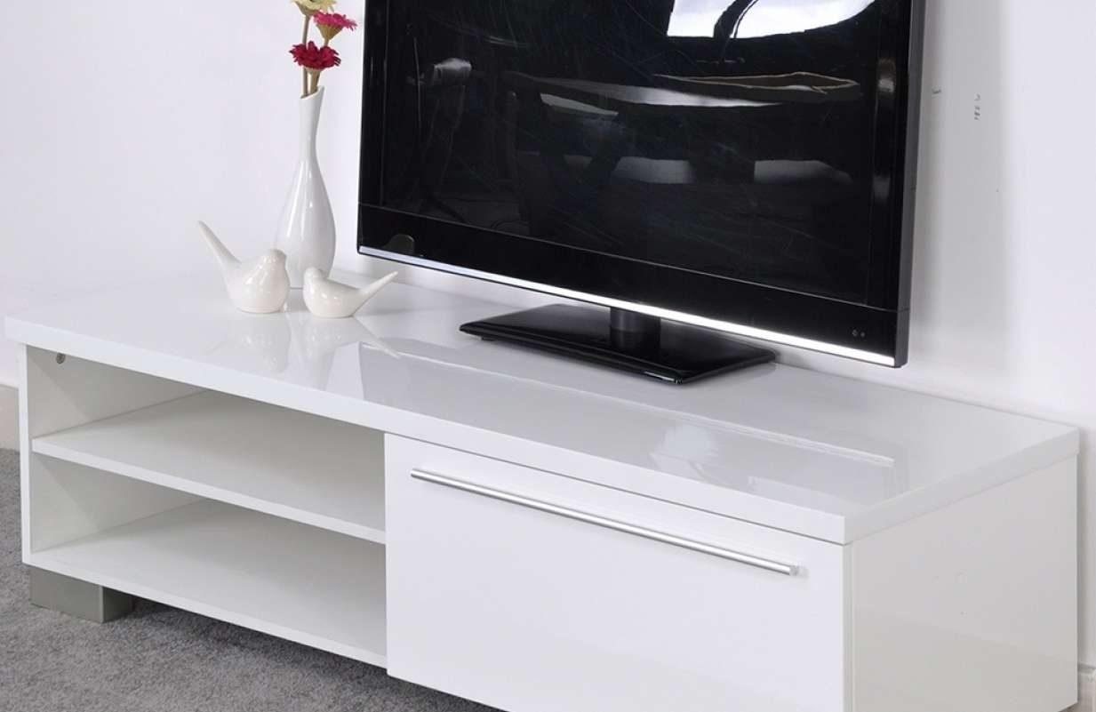 Tv : Entertainment Stands Wonderful Small Tv Stands For Top Of In Small Tv Stands For Top Of Dresser (View 12 of 15)