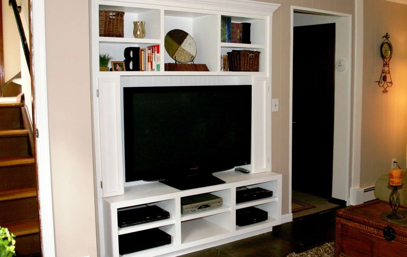 Tv : Exotic White Tv Stands On Wheels Unique White Tv Stands John In Ovid White Tv Stands (View 13 of 15)