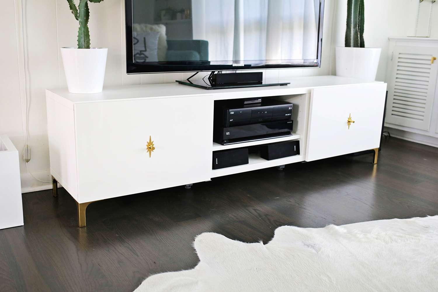 Tv : Vikalpah Floor Lamp Makeover Wonderful Gold Tv Stands With Gold Tv Stands (View 6 of 20)