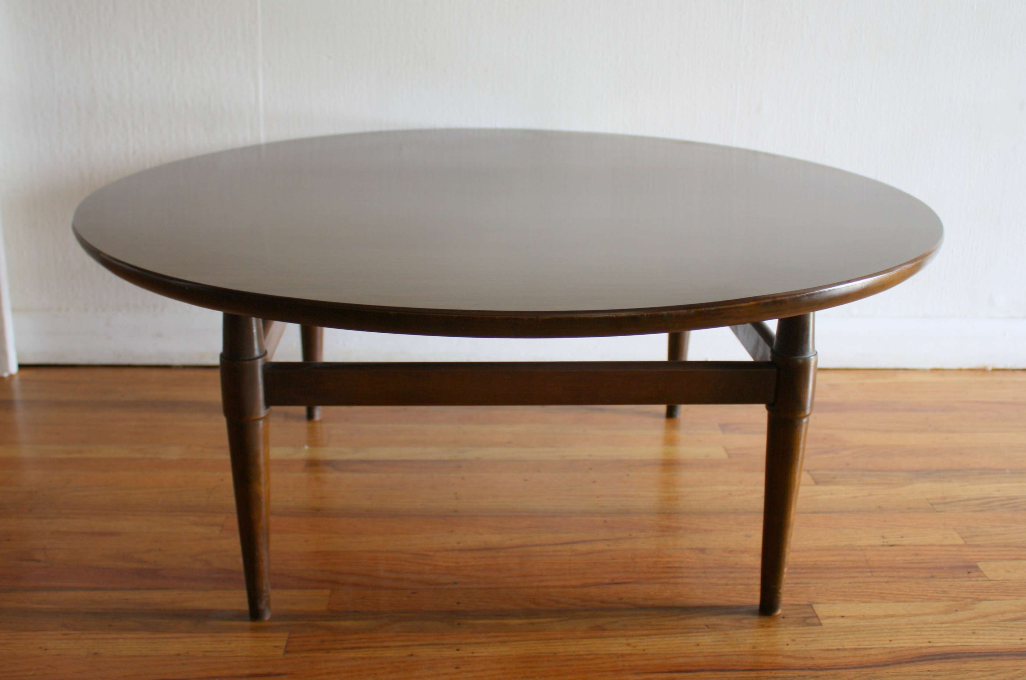 2017 Elephant Glass Coffee Tables In Coffee Tables : Round Glass Top Coffee Table With Metal Base (View 1 of 20)