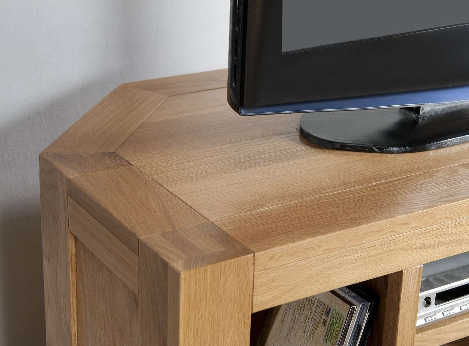 Aylesbury Contemporary Light Oak Corner Tv Unit | Oak Furniture Uk With Regard To Light Oak Corner Tv Cabinets (View 2 of 20)