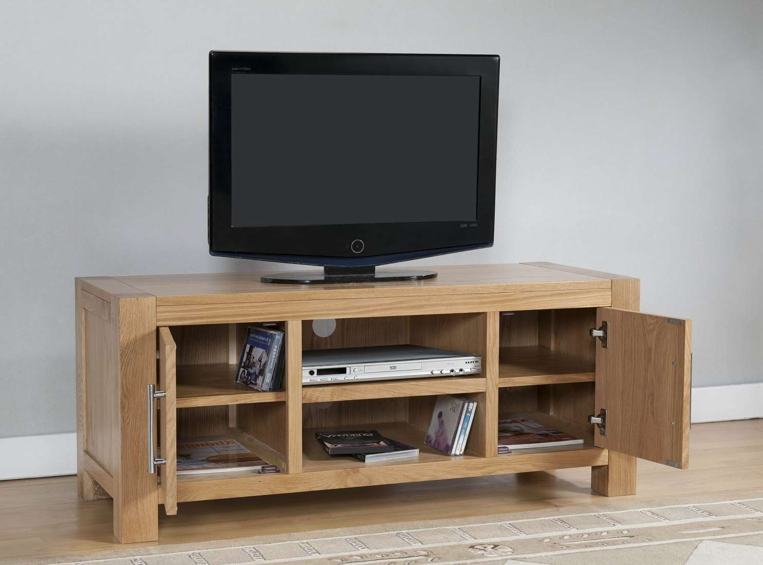 Aylesbury Contemporary Light Oak Large Tv Unit | Oak Furniture Uk Pertaining To Contemporary Oak Tv Cabinets (View 2 of 20)