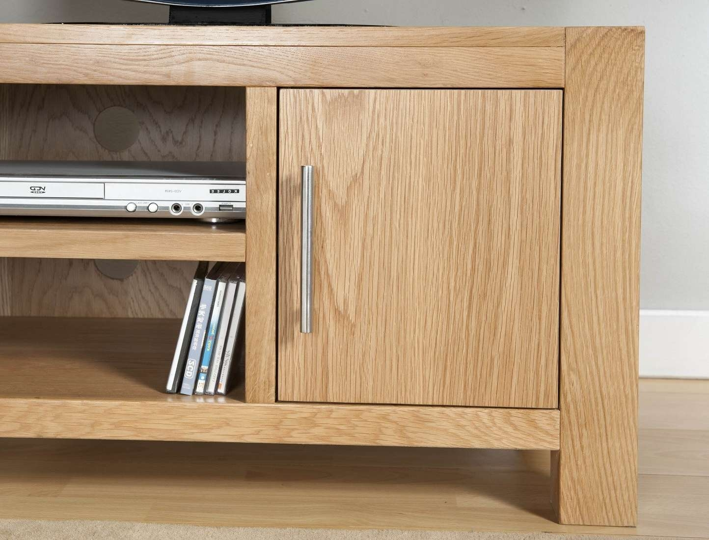 Aylesbury Contemporary Light Oak Small Tv Unit | Oak Furniture Uk Pertaining To Light Oak Tv Cabinets (View 4 of 20)