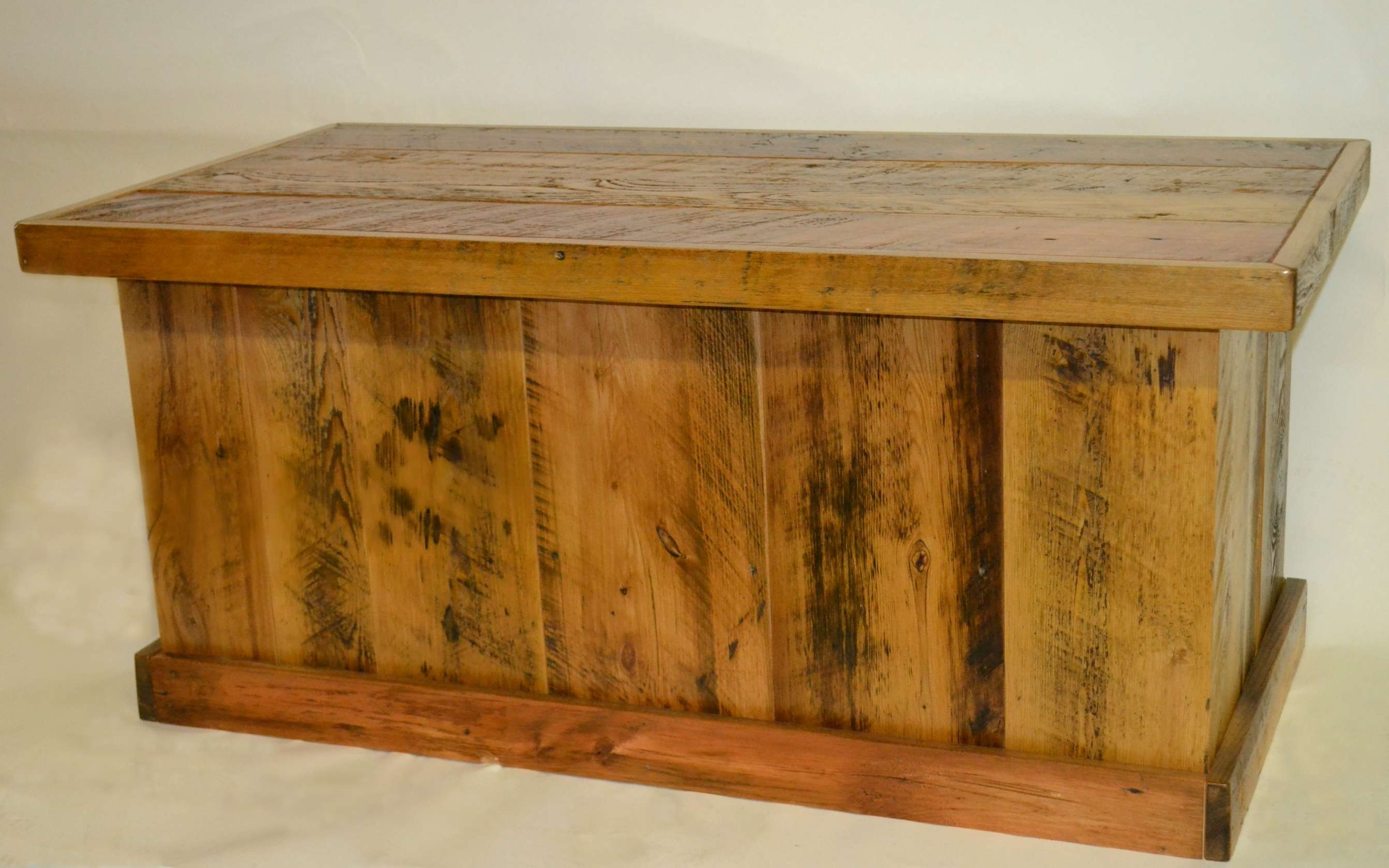 Barnwood Trunk/blanket Chest/coffee Table (View 1 Of 20)