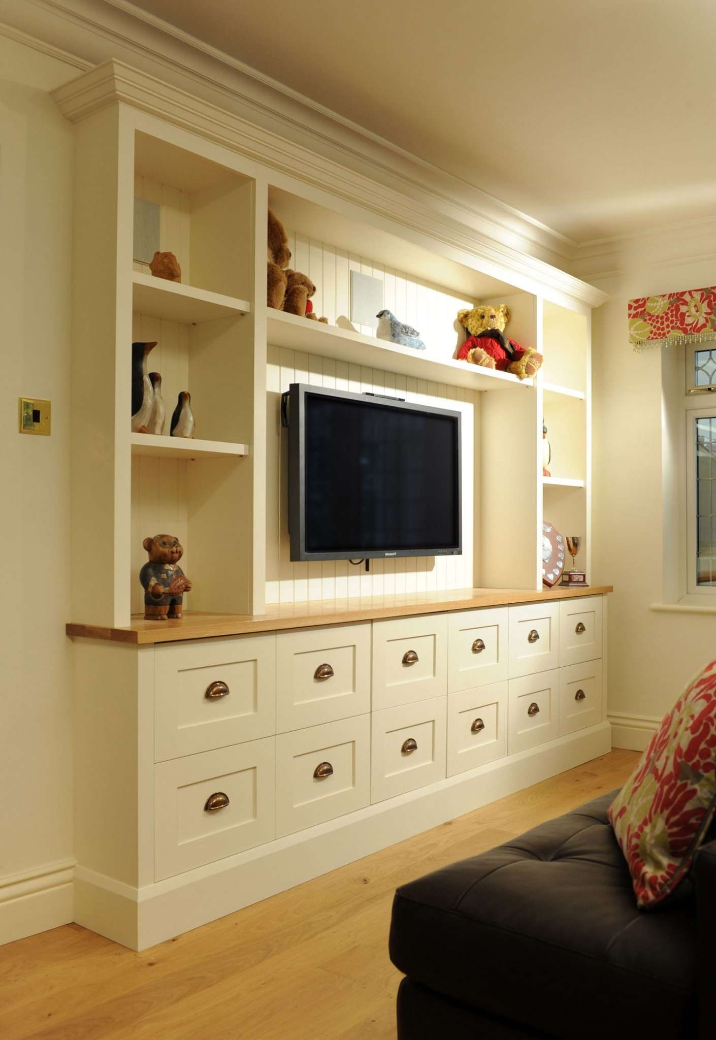 Bespoke Tv Units & Media Cabinets Custom Madehand – James Mayor With Regard To Bespoke Tv Cabinets (View 4 of 20)