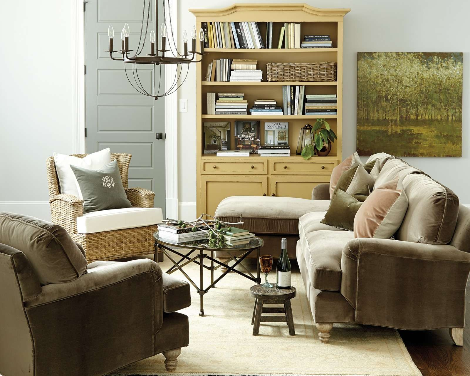 Best And Newest Coffee Table For Sectional Sofa Pertaining To How To Match A Coffee Table To Your Sectional – How To Decorate (View 4 of 20)