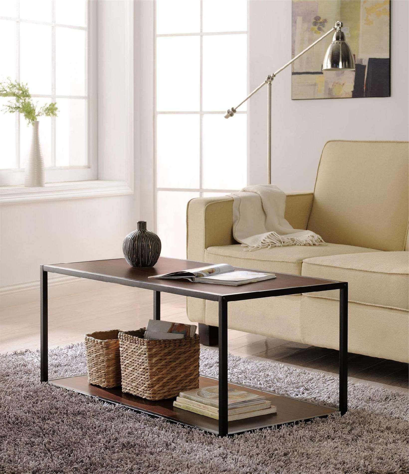 Best And Newest Low Industrial Coffee Tables Within Coffee Tables : Rustic Reclaimed Farmhouse Pallet Wood Style (View 1 of 20)