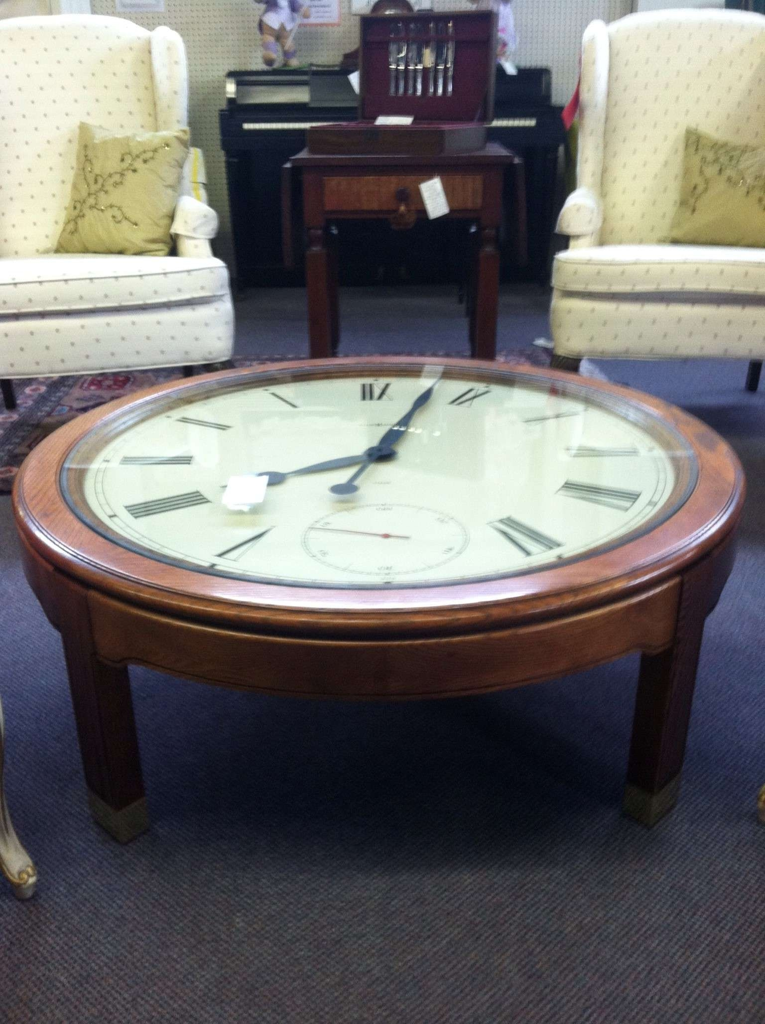 Brown Small Round Classic Style Wooden Varnished Clock Coffee Pertaining To Newest Coffee Tables With Clock Top (View 8 of 20)