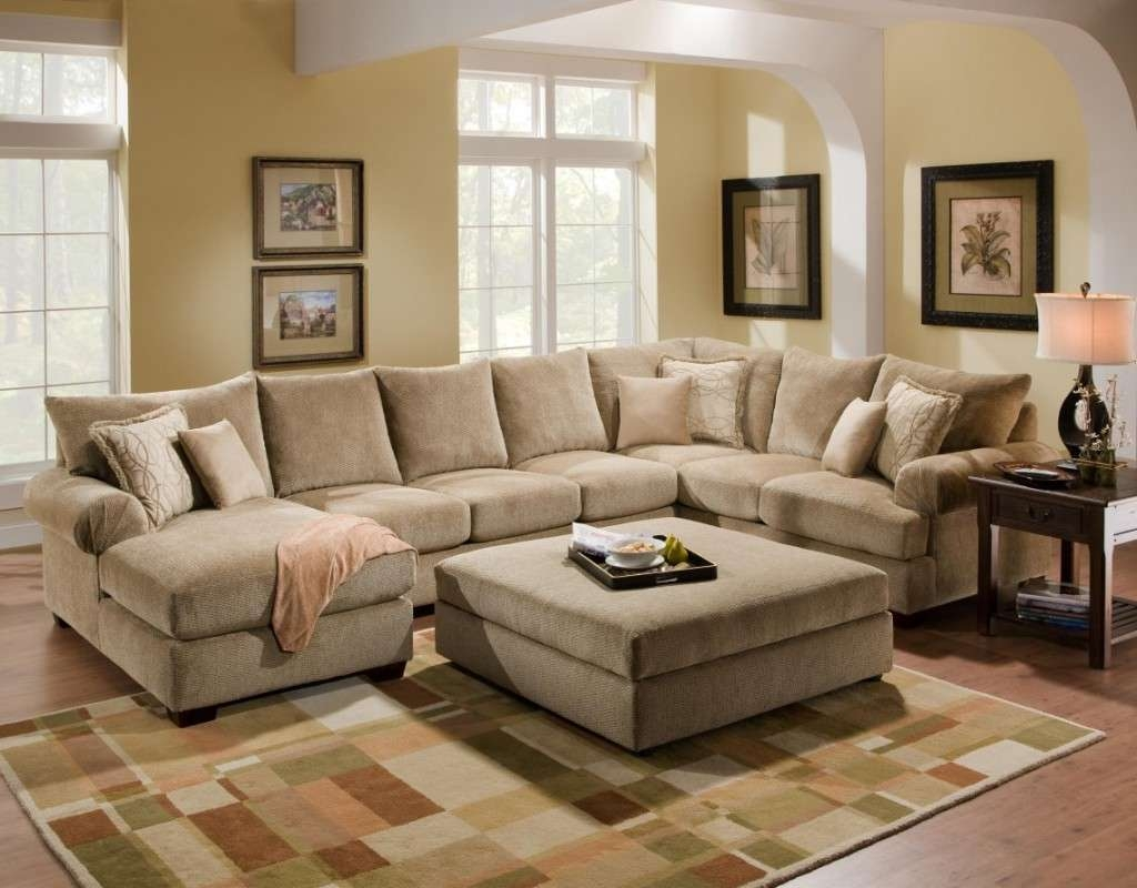 Coffee Table Ideas For Beige Sectional Sofa — Home Ideas Collection Regarding Widely Used Coffee Table For Sectional Sofa (View 6 of 20)