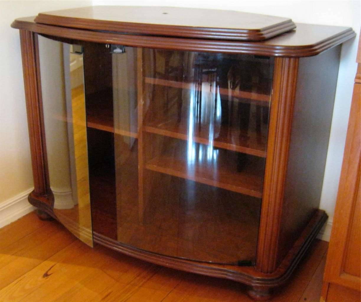 Corner Tv Stand Cabinet With Frameless Glass Doors – Decofurnish With Glass Tv Cabinets With Doors (View 3 of 20)