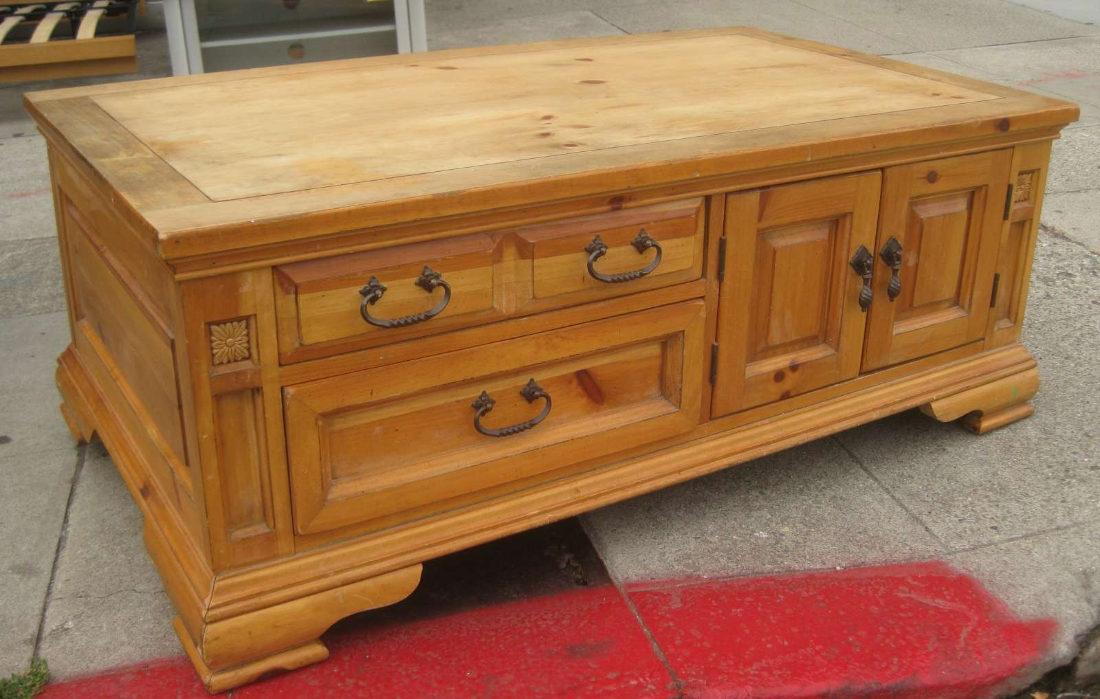 Featured Photo of Pine Coffee Tables With Storage