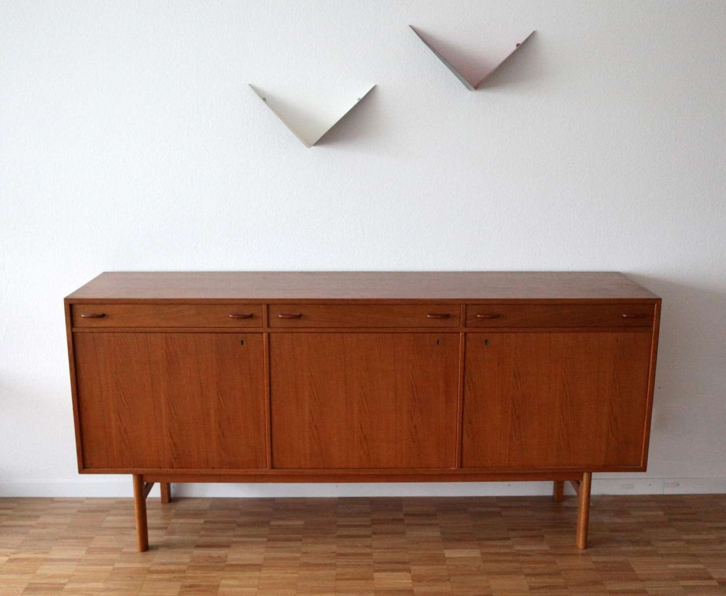 Featured Photo of Mid Century Modern Sideboards