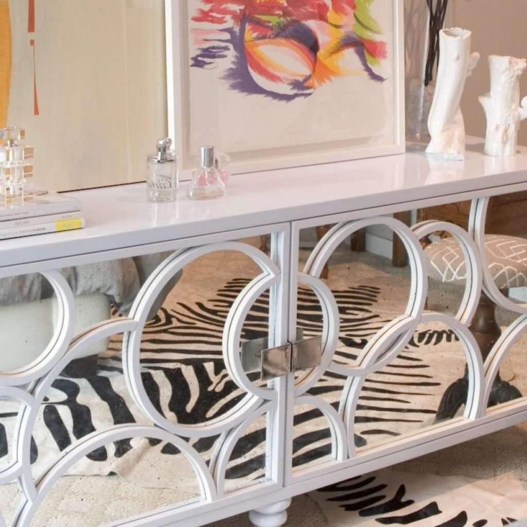 Elegant White Mirrored Sideboard – Buildsimplehome For White Mirrored Sideboards (View 4 of 20)