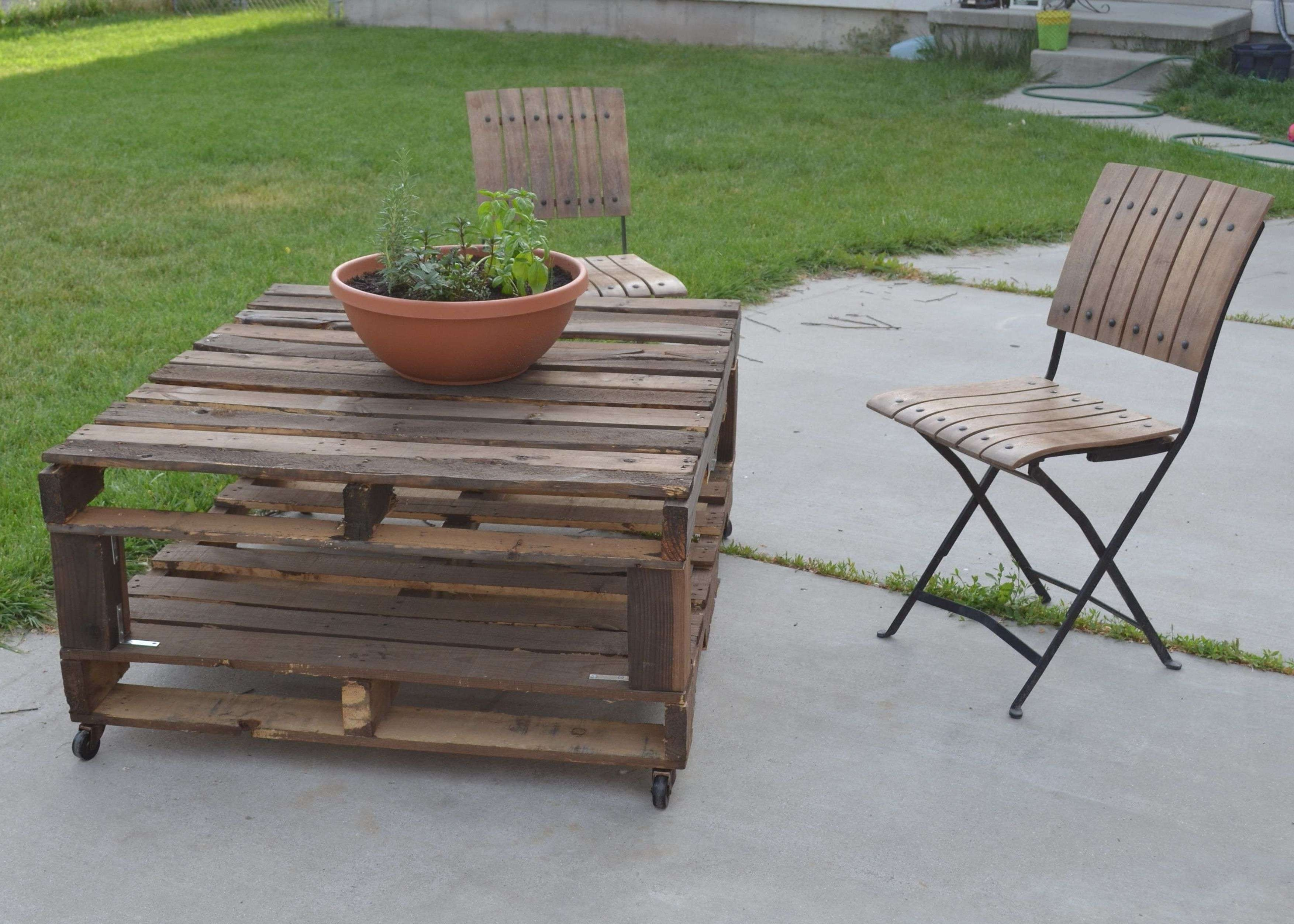 Famous Wooden Garden Coffee Tables Throughout Diy Outdoor Wood Coffee Table Using Reclaimed Wood And Wheels With (View 5 of 20)