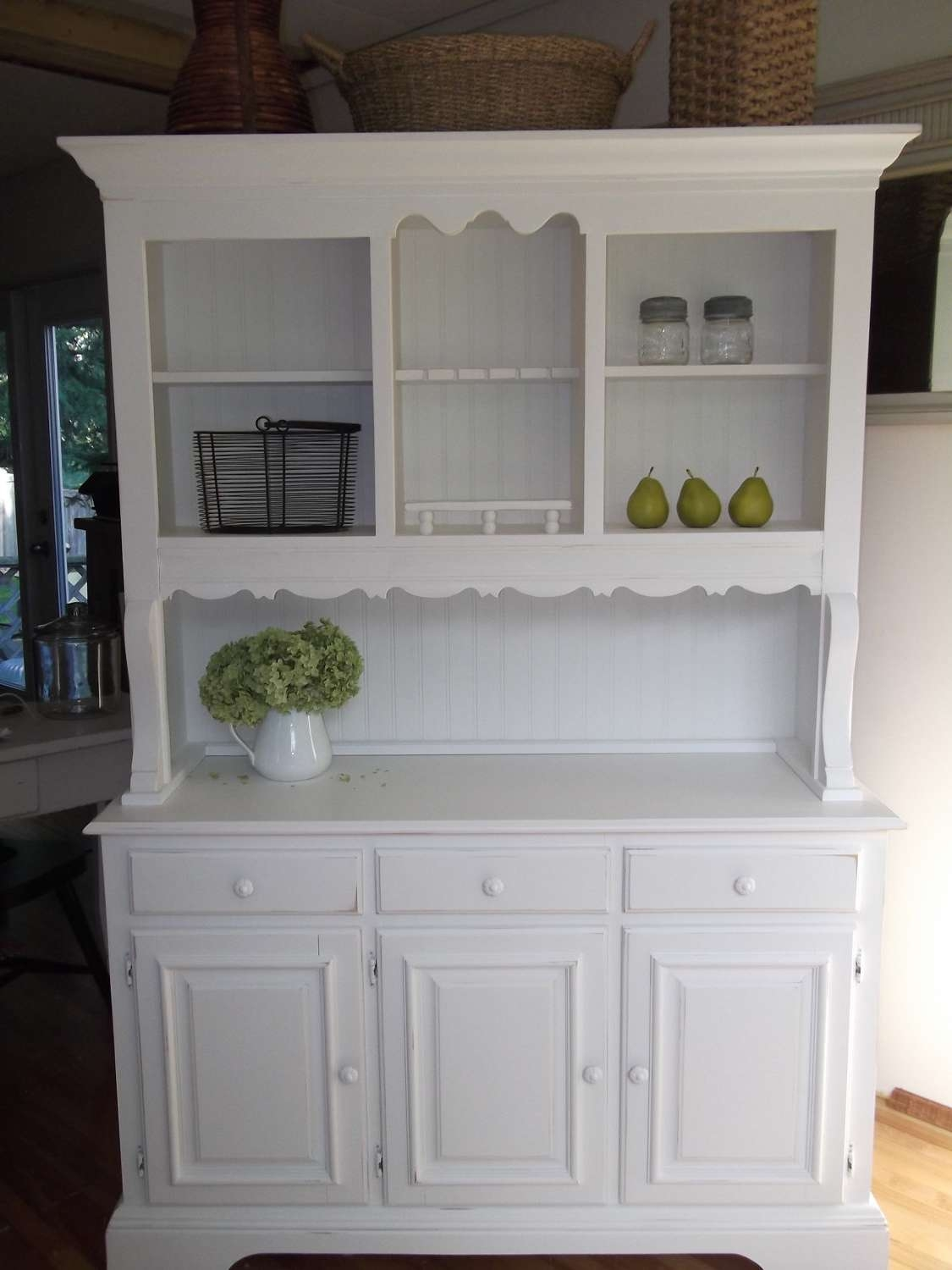 Farmhouse Hutch In White : Rocket Uncle – Farmhouse Hutch In Pertaining To Country Sideboards And Hutches (View 6 of 20)