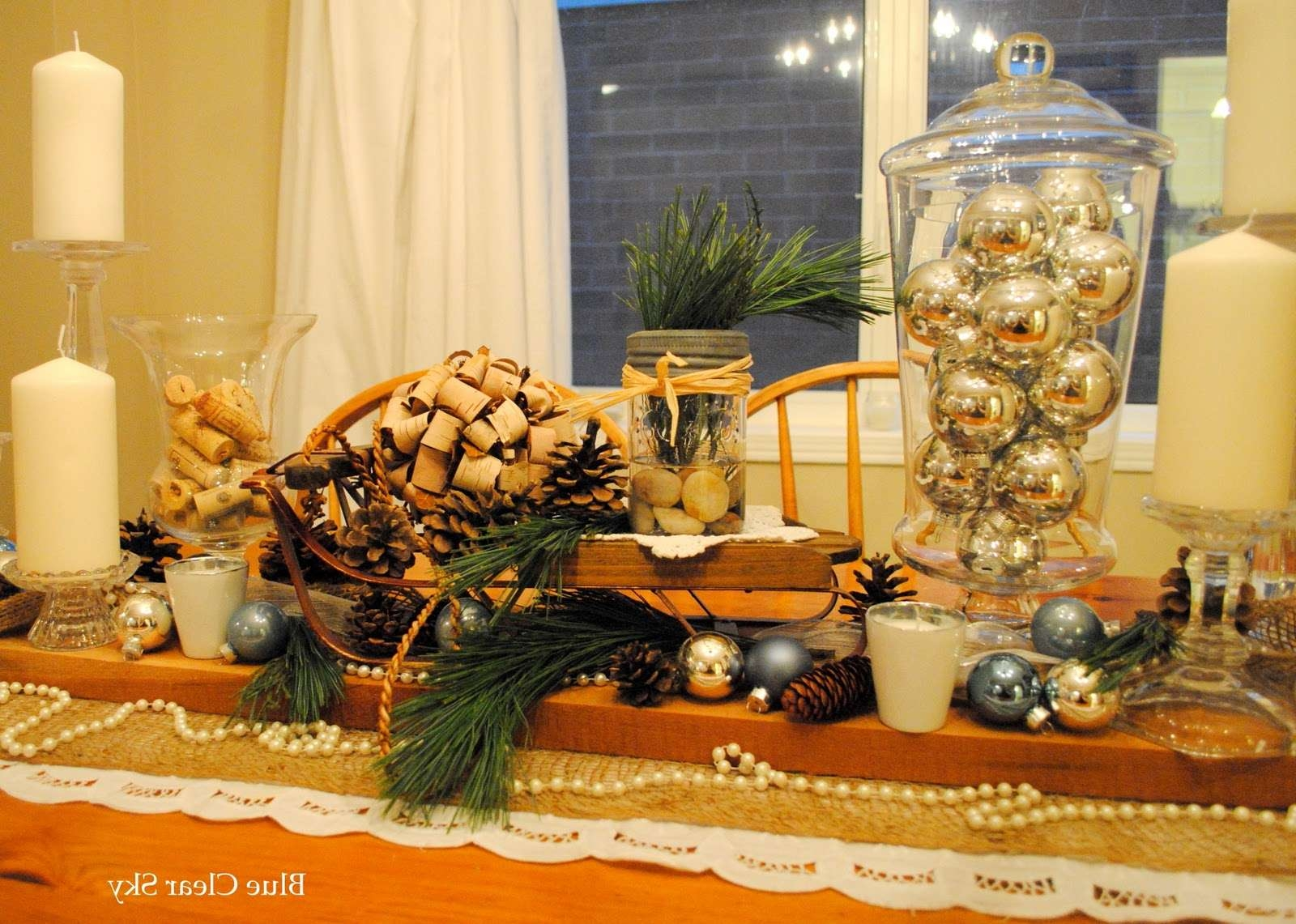Fashionable Rustic Christmas Coffee Table Decors In Decorations : Fall Coffee Table Centerpiece Decor Idea Feature (View 9 of 20)