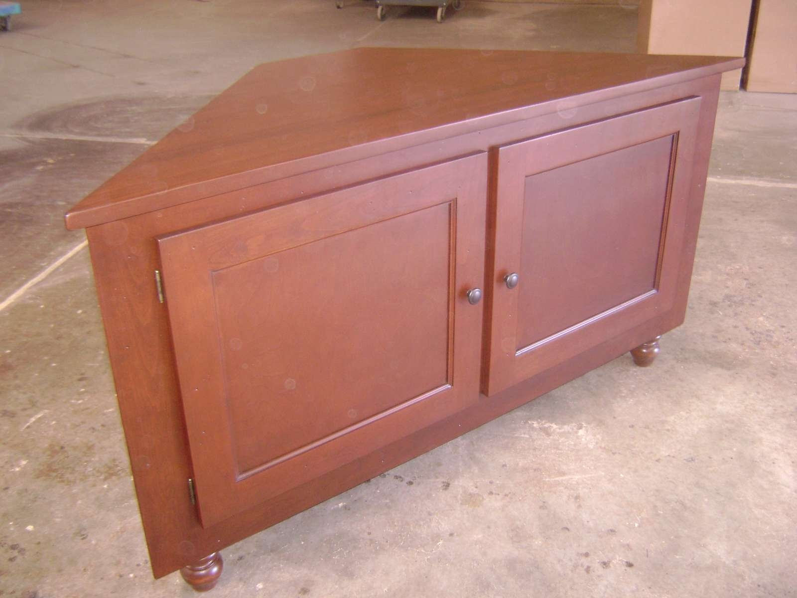 Furniture: Classy Carpenter Handmade Removable Maple Wooden Corner For Corner Tv Cabinets With Hutch (View 8 of 20)