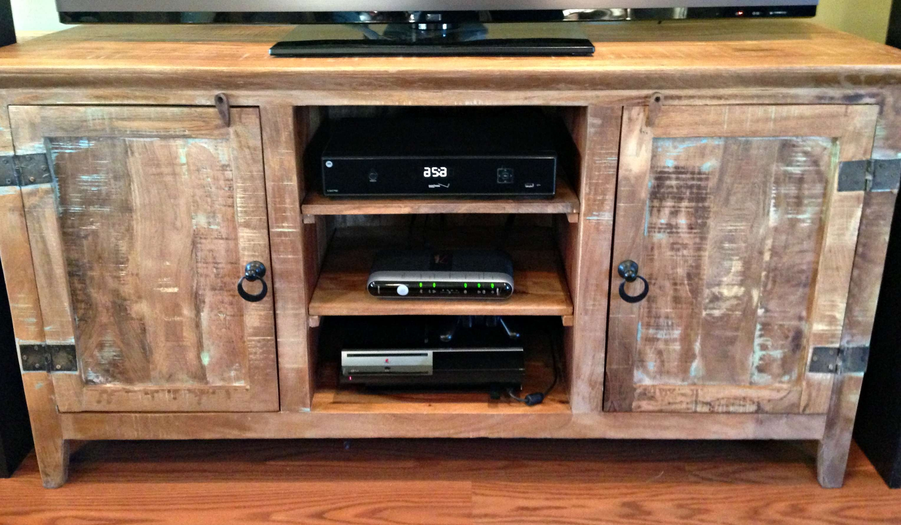 Furniture: Rustic Reclaimed Wood Tv Stand With Drawers And Shelves Within Rustic Wood Tv Cabinets (View 2 of 20)