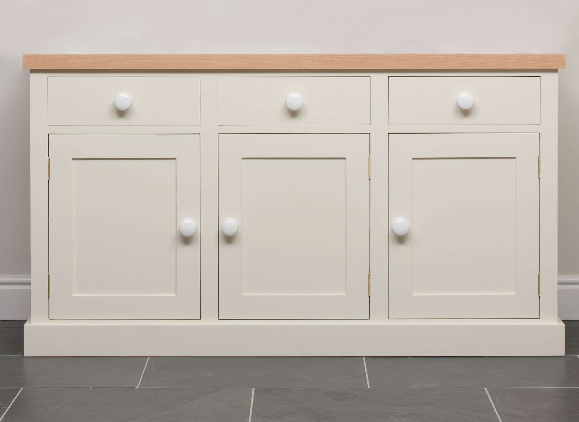 Kitchen Sideboard Furniture : How To Place A Kitchen Sideboard Throughout Kitchen Sideboards (View 9 of 20)