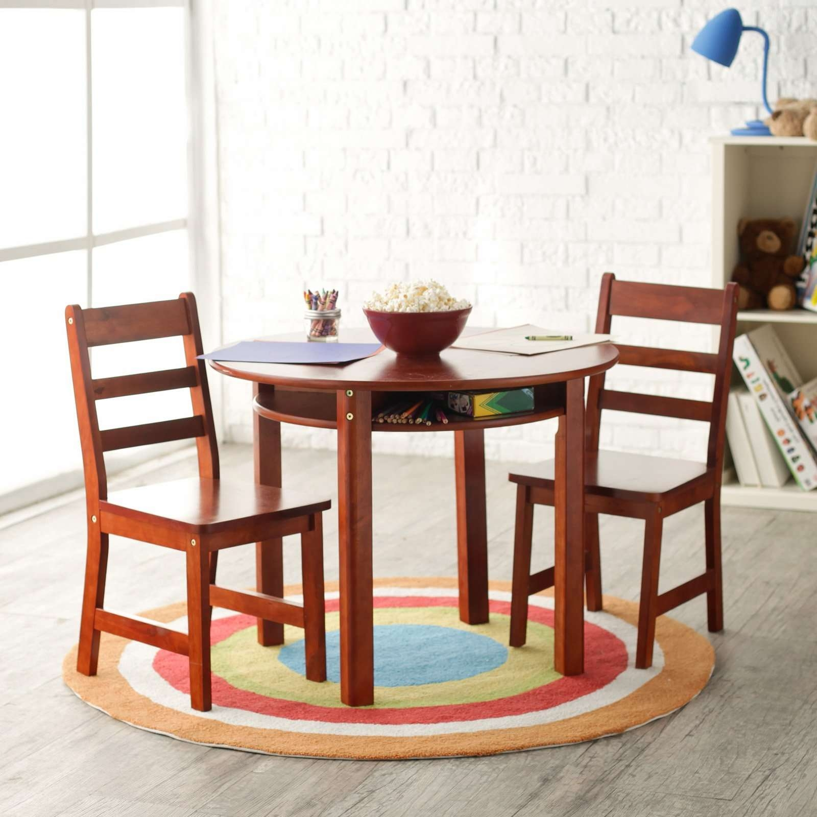 Lipper Childrens Round Table And Chair Set (View 9 of 20)