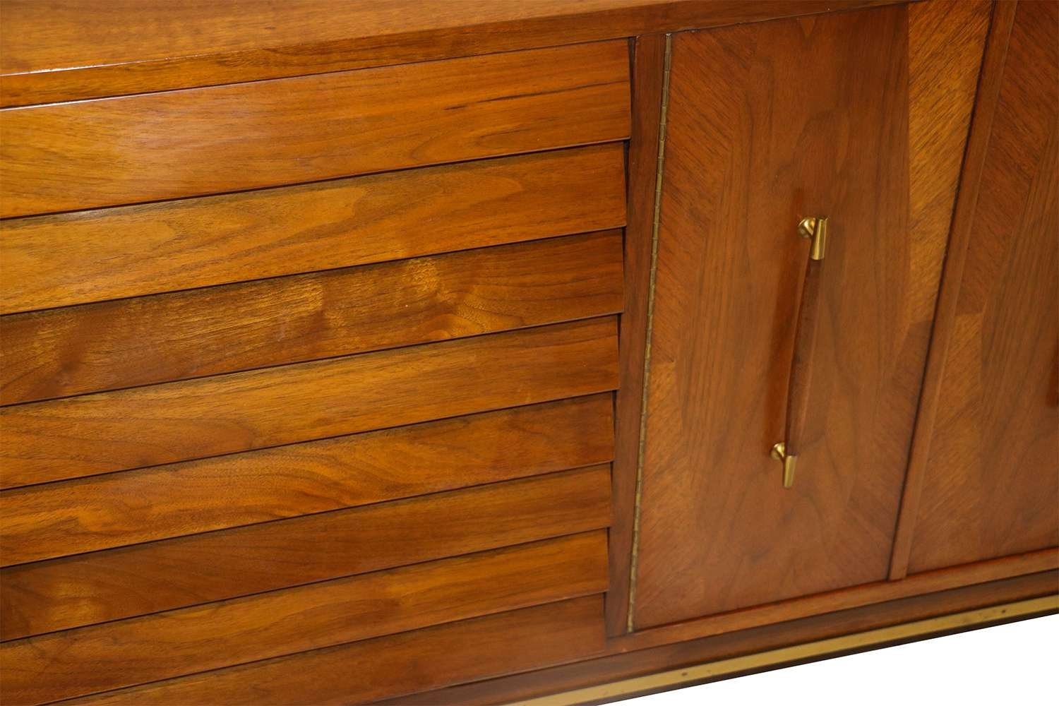 Mid Century Modern American Of Martinsville Dania Collection With Regard To Dania Sideboards (View 10 of 20)