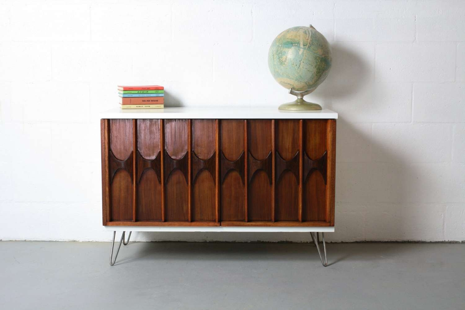 Mid Century Modern Inspired Sideboard Buffet Bar Credenza Changing Throughout Mid Century Modern Sideboards (View 8 of 20)