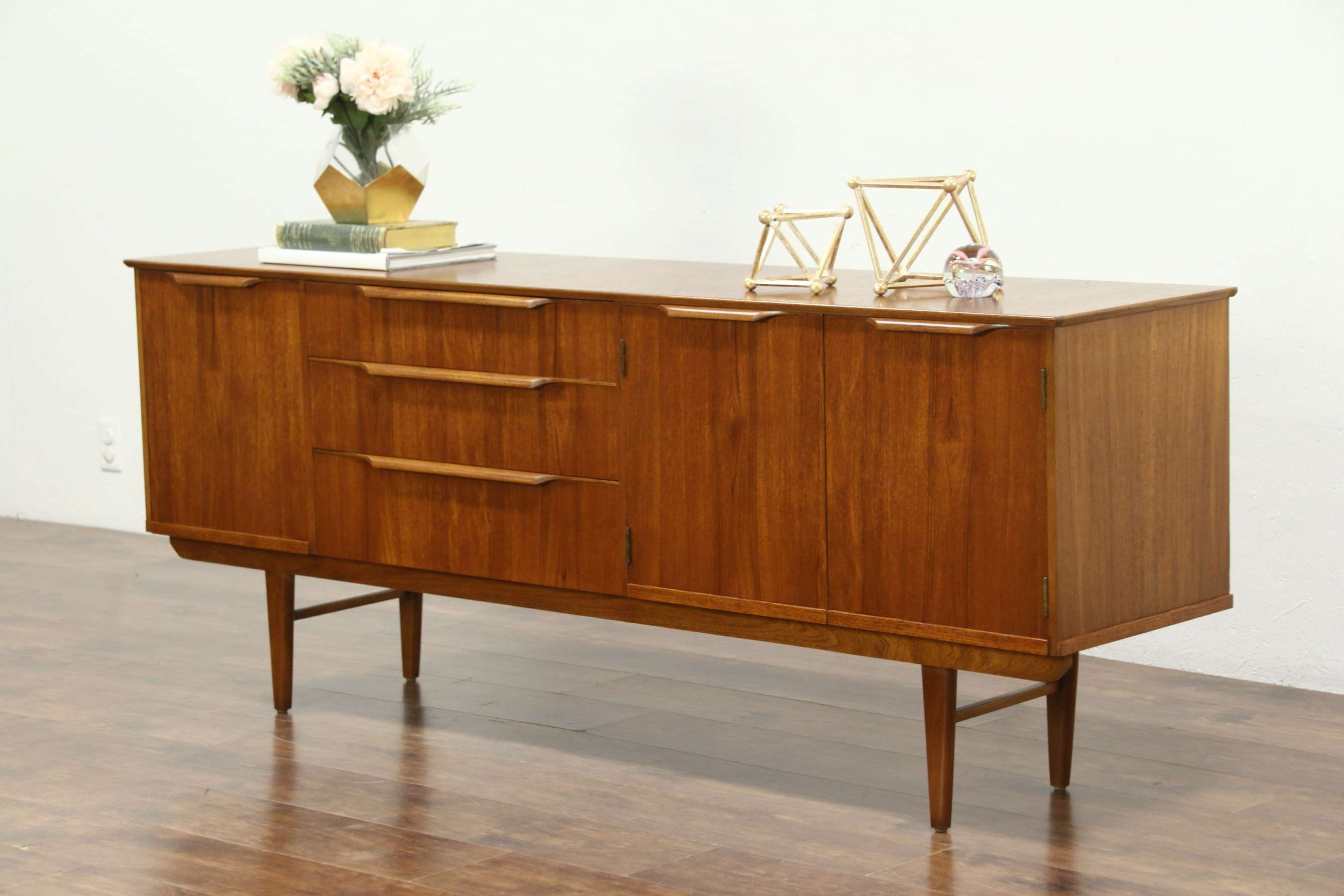 Midcentury Modern 1960's Teak Credenza, Bar, Sideboard, Or Tv In Bar Sideboards (View 8 of 20)