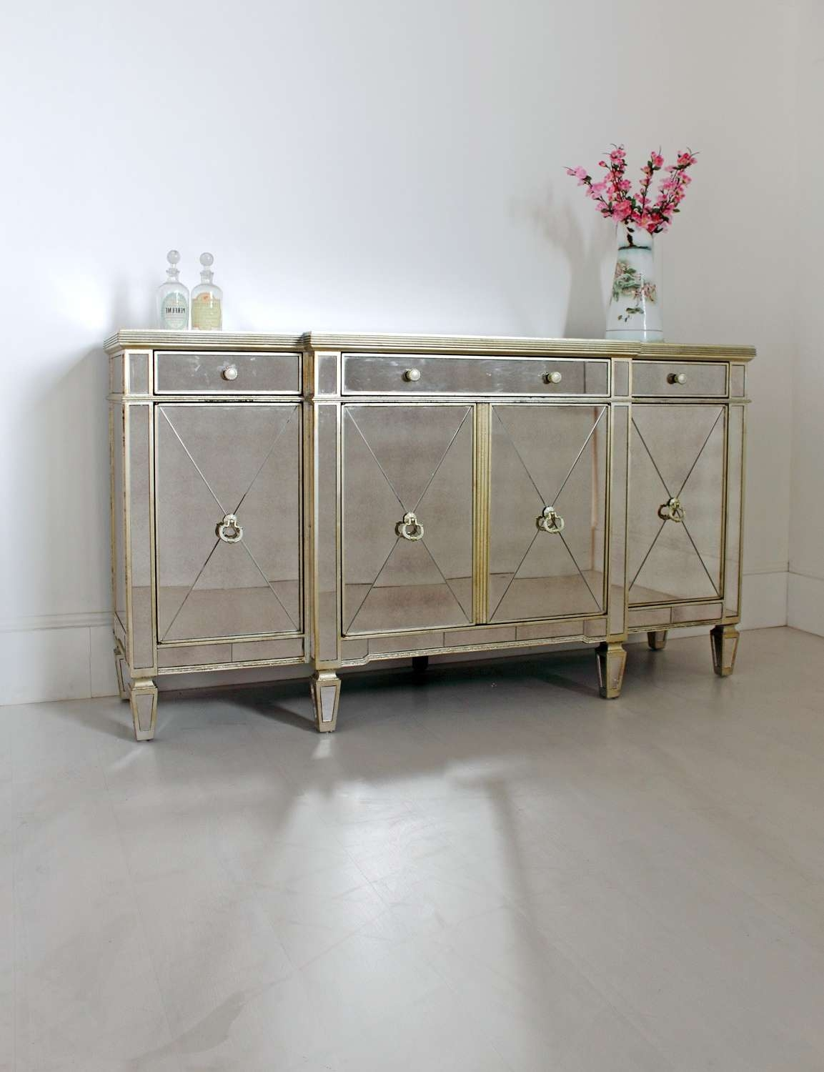 Mirrored Sideboard: They Look So Gorgeous, Right? | Wood Furniture With Sideboards Decors (View 9 of 20)
