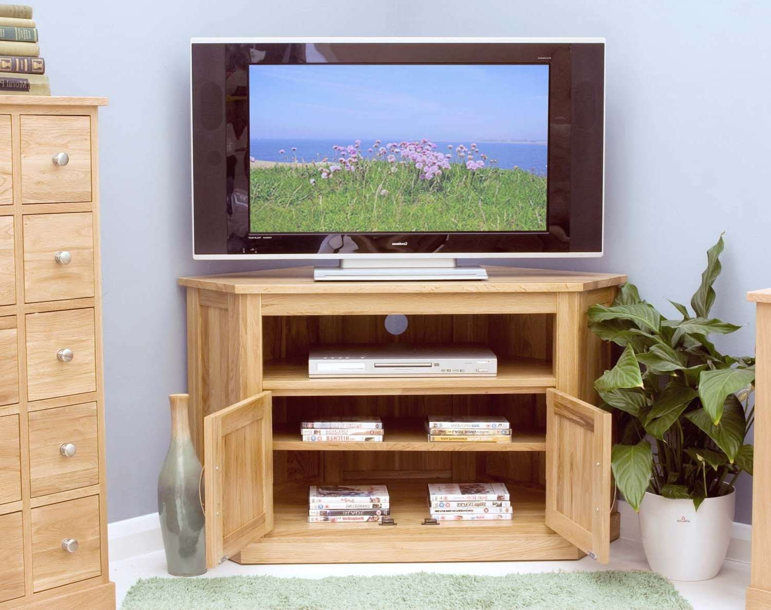 Modern Light Oak Tv Units | Solid Oak Furniture Online – Zurleys Uk Throughout Light Oak Corner Tv Cabinets (View 8 of 20)