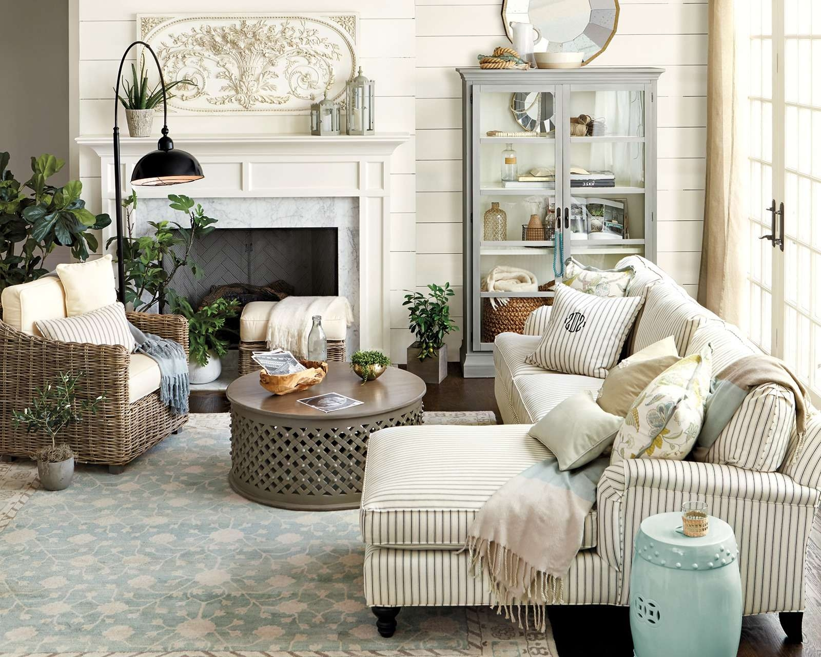 Most Current Coffee Table For Sectional Sofa Pertaining To How To Match A Coffee Table To Your Sectional – How To Decorate (View 9 of 20)