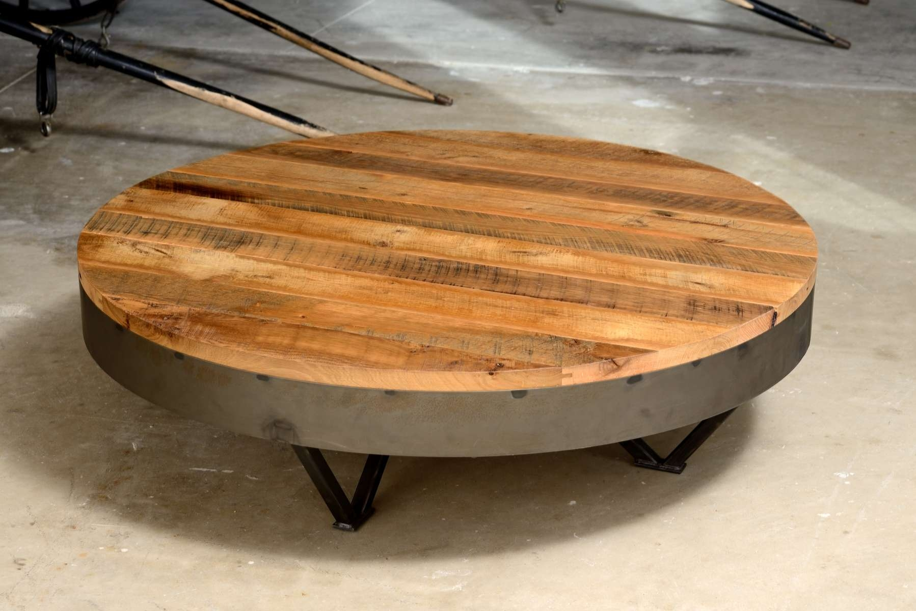 Most Popular Low Industrial Coffee Tables Throughout Decorations : Perfect Industrial Wood Coffee Table On Round (View 16 of 20)