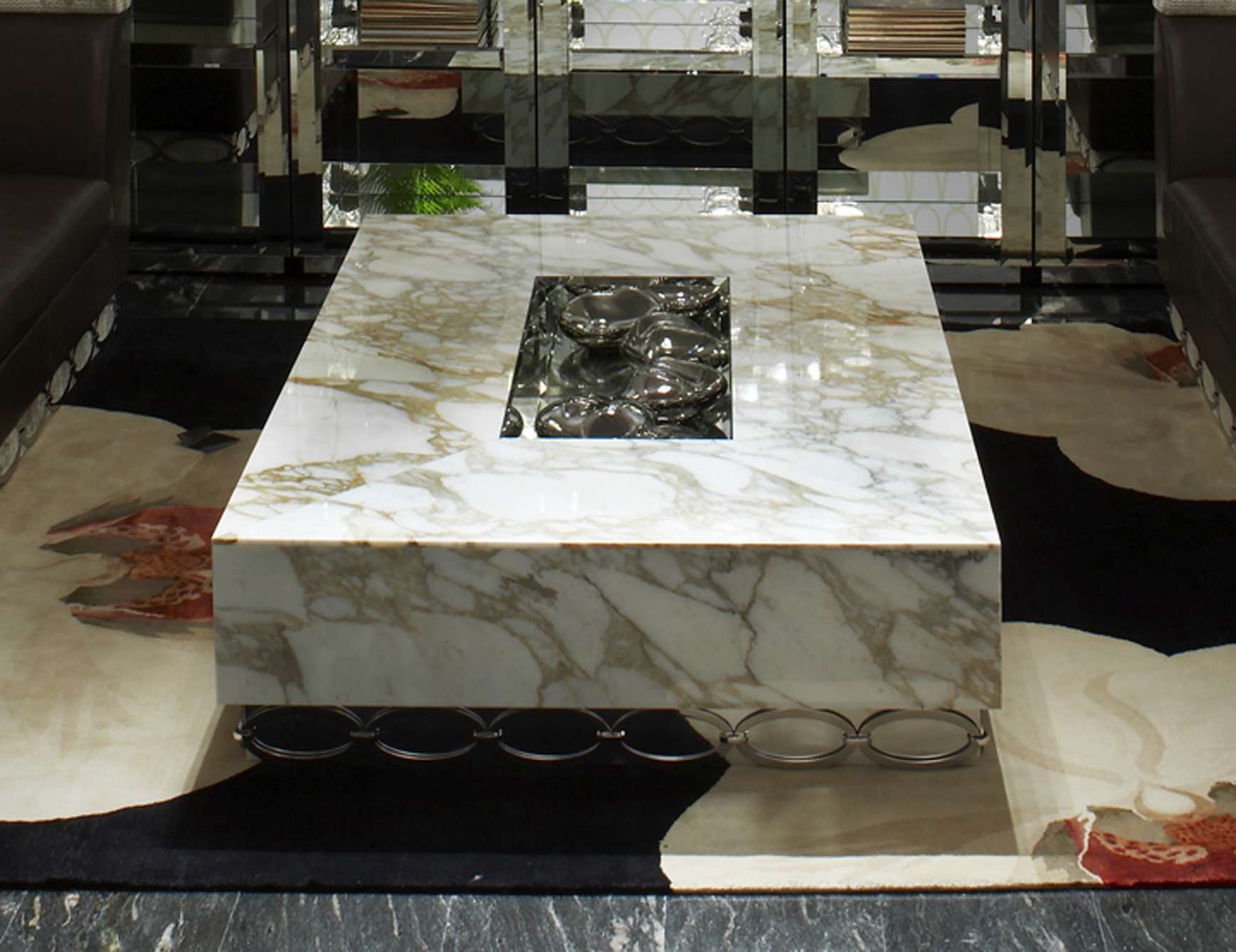 Nella Vetrina Visionnaire Ipe Cavalli Ruis Luxury Italian Coffee Table Pertaining To Well Known Bordeaux Coffee Tables (View 17 of 20)